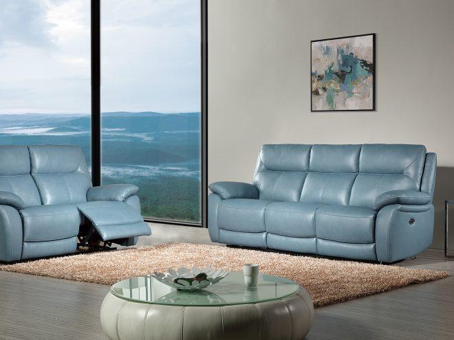 ספה בצבע תכלת ים